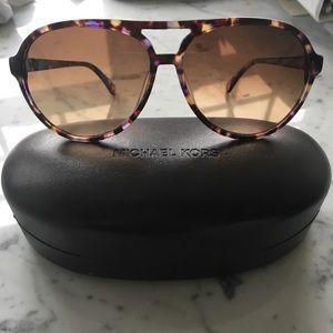 Michael Kors M2732S Santa Cruz Sunglasses 🕶